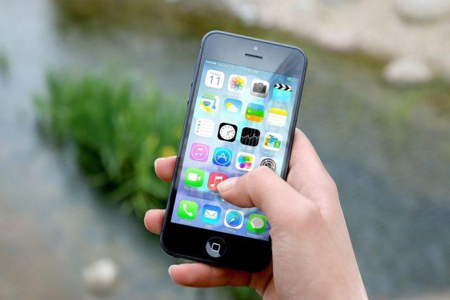 Doute de l'intérêt de l'USB-C pour ses iPhone — Apple