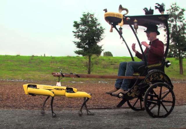 Spot : le robot chien de Boston Dynamics est (aussi) capable de tirer un pousse-pousse