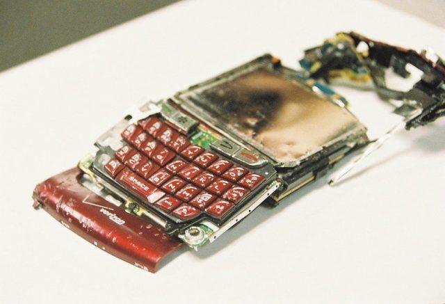 Un Blackberry cassé.