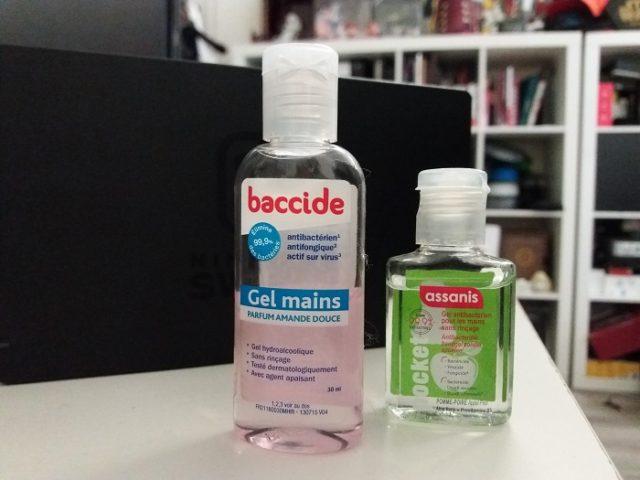 Des exemples de gel hydro-alcoolique vendu en pharmacie.