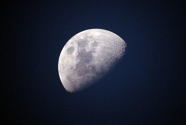 La face cachée de la Lune.