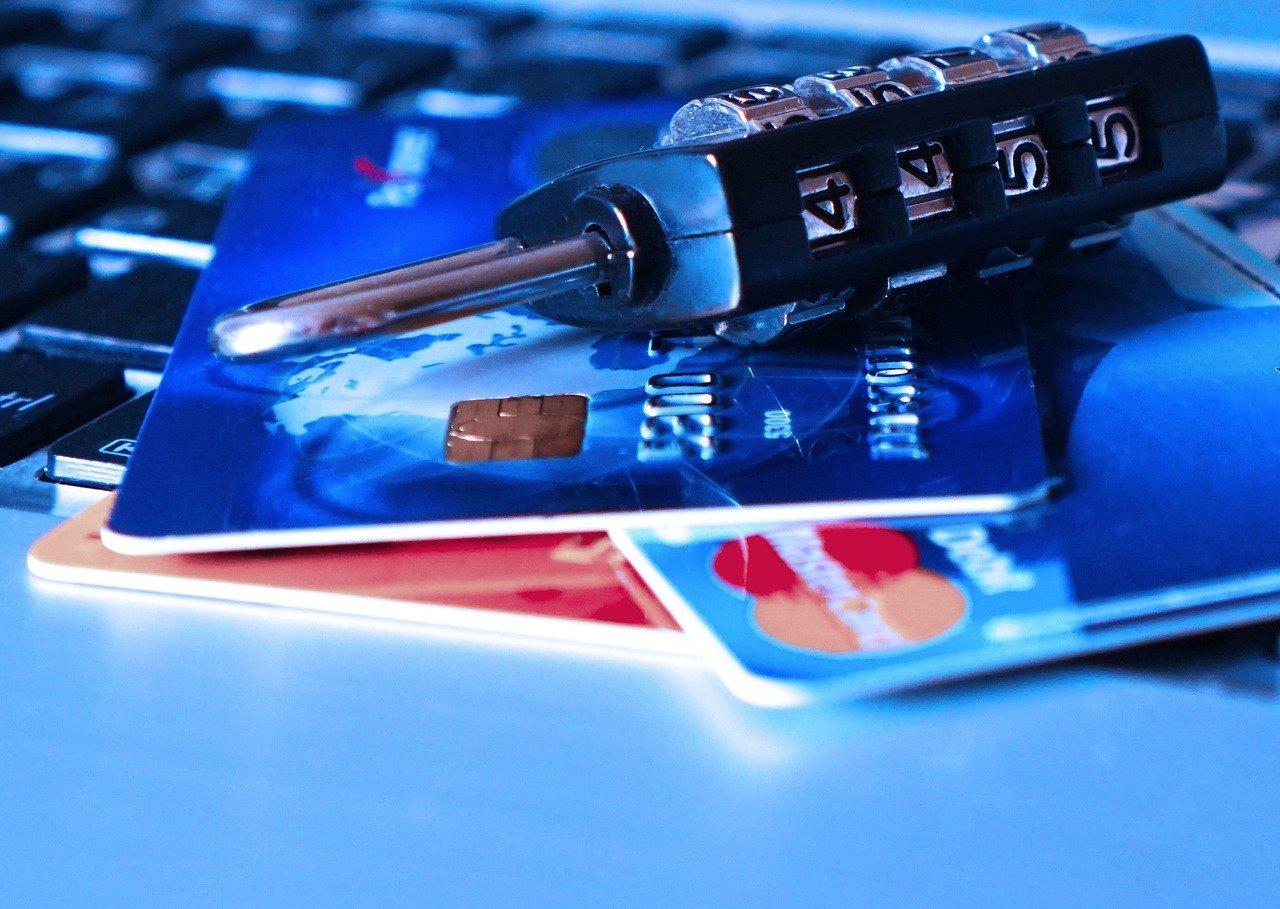 570 sites de e-commerce piratés, des numéros de carte bancaire en fuite !