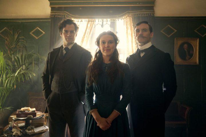 Millie Bobby Brown en petite sœur de Sherlock (bande-annonce) — Enola Holmes