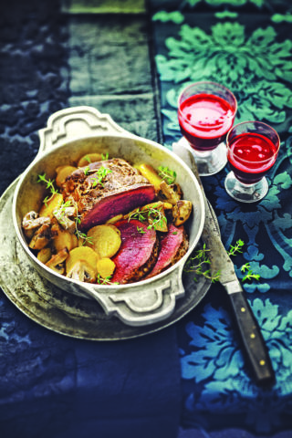roti de boeuf 320x480 - [Sélection] Five recipes to thrill your taste buds on Halloween - journal du geek