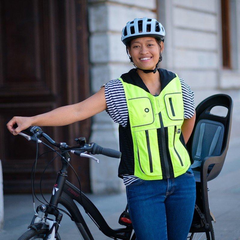B'Safe : un gilet airbag qui protège les cyclistes en cas d'accident