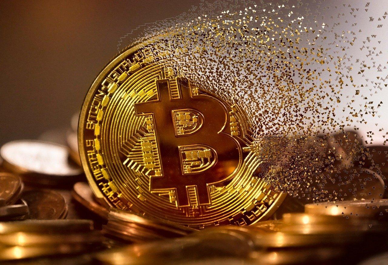 Mastercard prend en charge les cryptomonnaies, Miami veut payer ses fonctionnaires en bitcoins - Le Journal du Geek