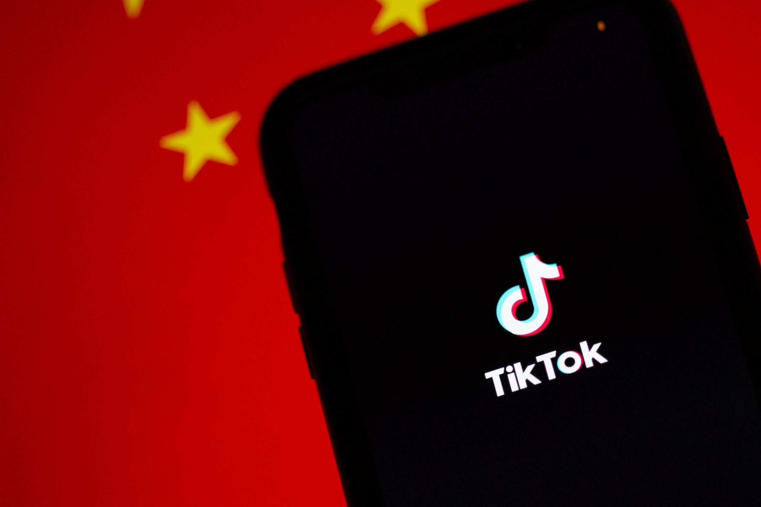 Logo Tiktok avec drapeau chinois