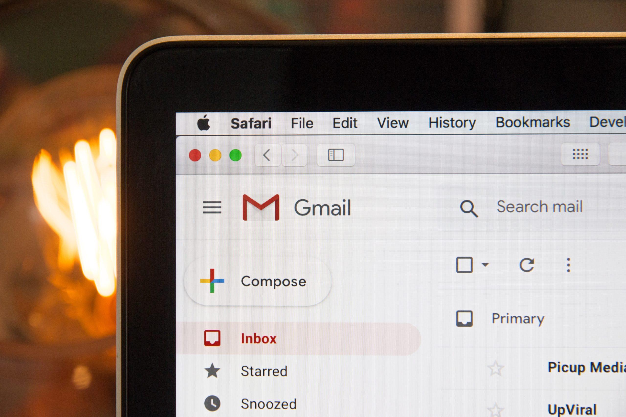 Attention, les deux tiers des mails que vous recevez vous espionnent ! - Journal du geek