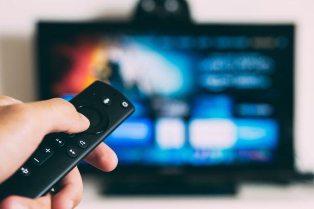[Humeur] Non, le bingewatching n'est pas la seule manière de regarder une série !