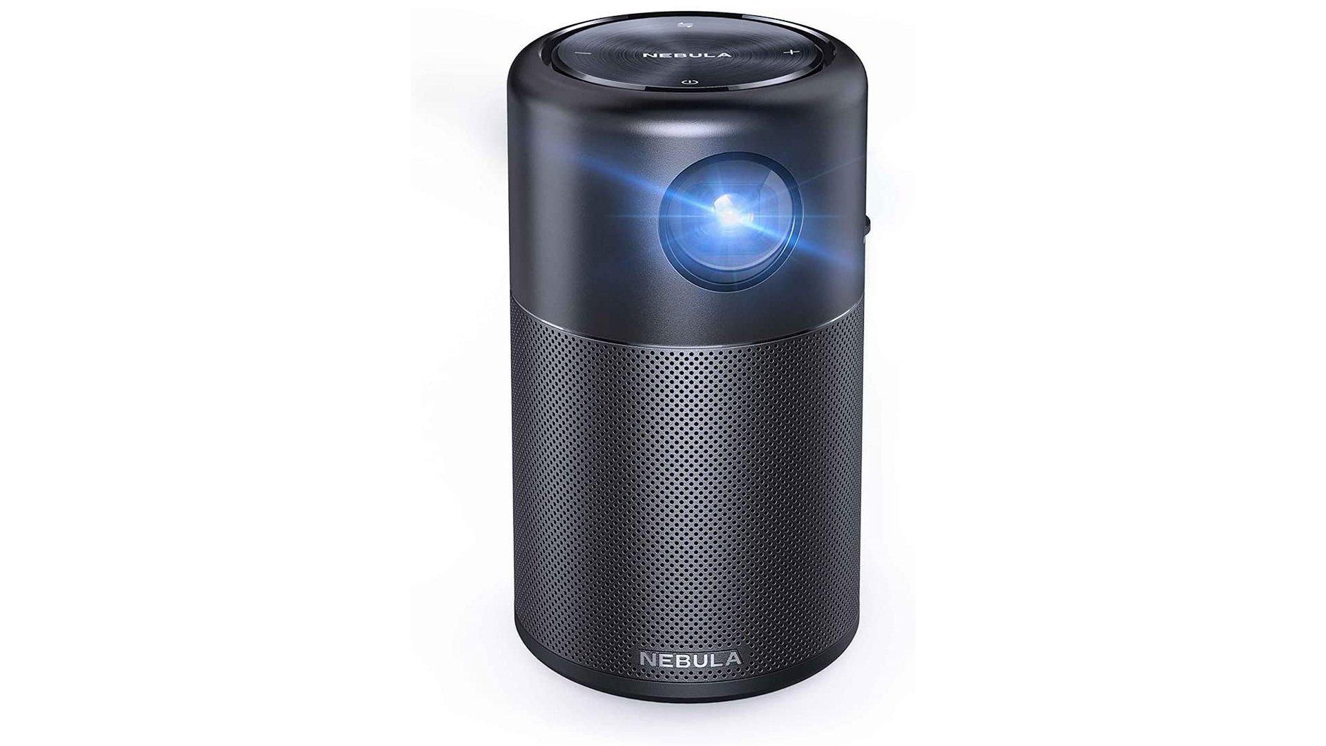 L'Anker Nebula Mini est un mini-projecteur taillé pour les cinémas à la maison.