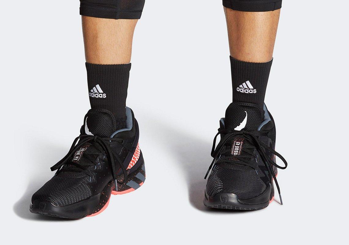sneakers adidas x marvel venom