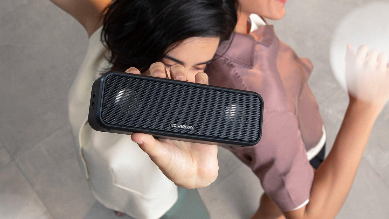 L'enceinte connectée Soundcore 3 de chez Anker emportera votre musique partout où vous irez.