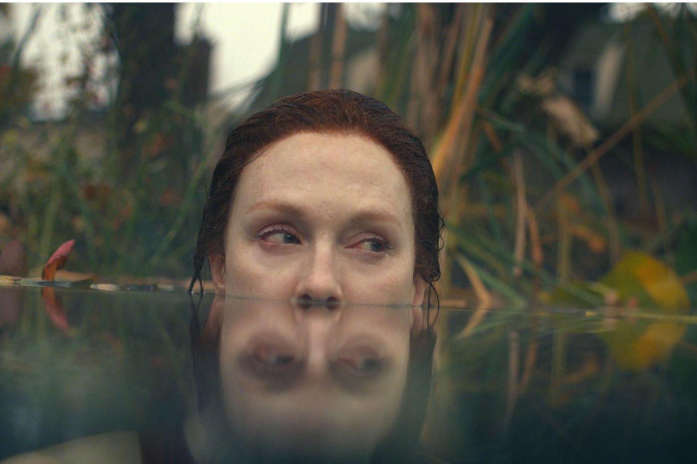 Julianne Moore incarne Lisey dans la série Apple TV+ Lisey's Story