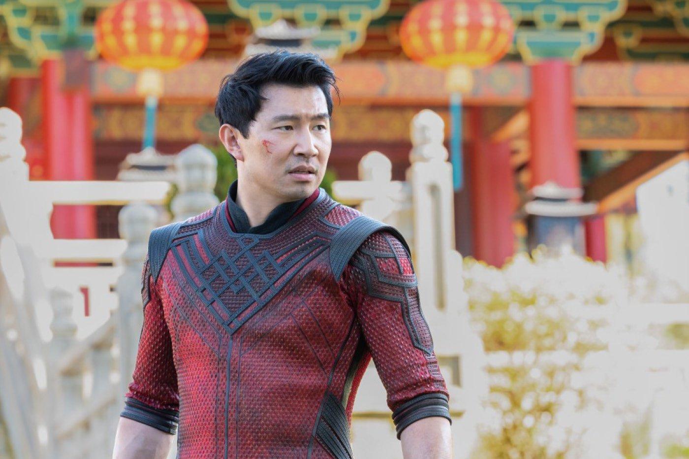Simu Liu dans Shang-Chi et la légende des dix anneaux de Marvel