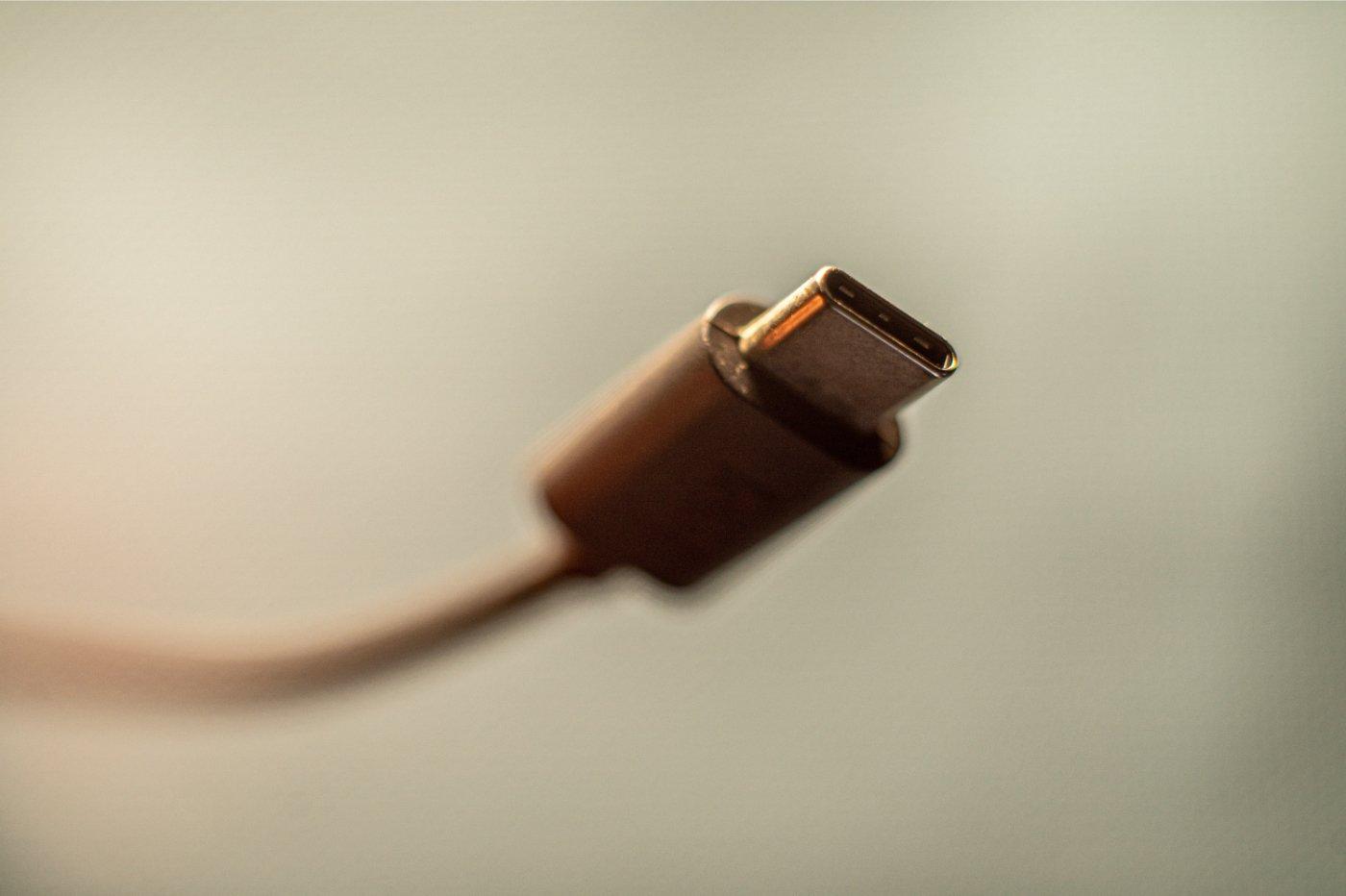 USB-C 240W