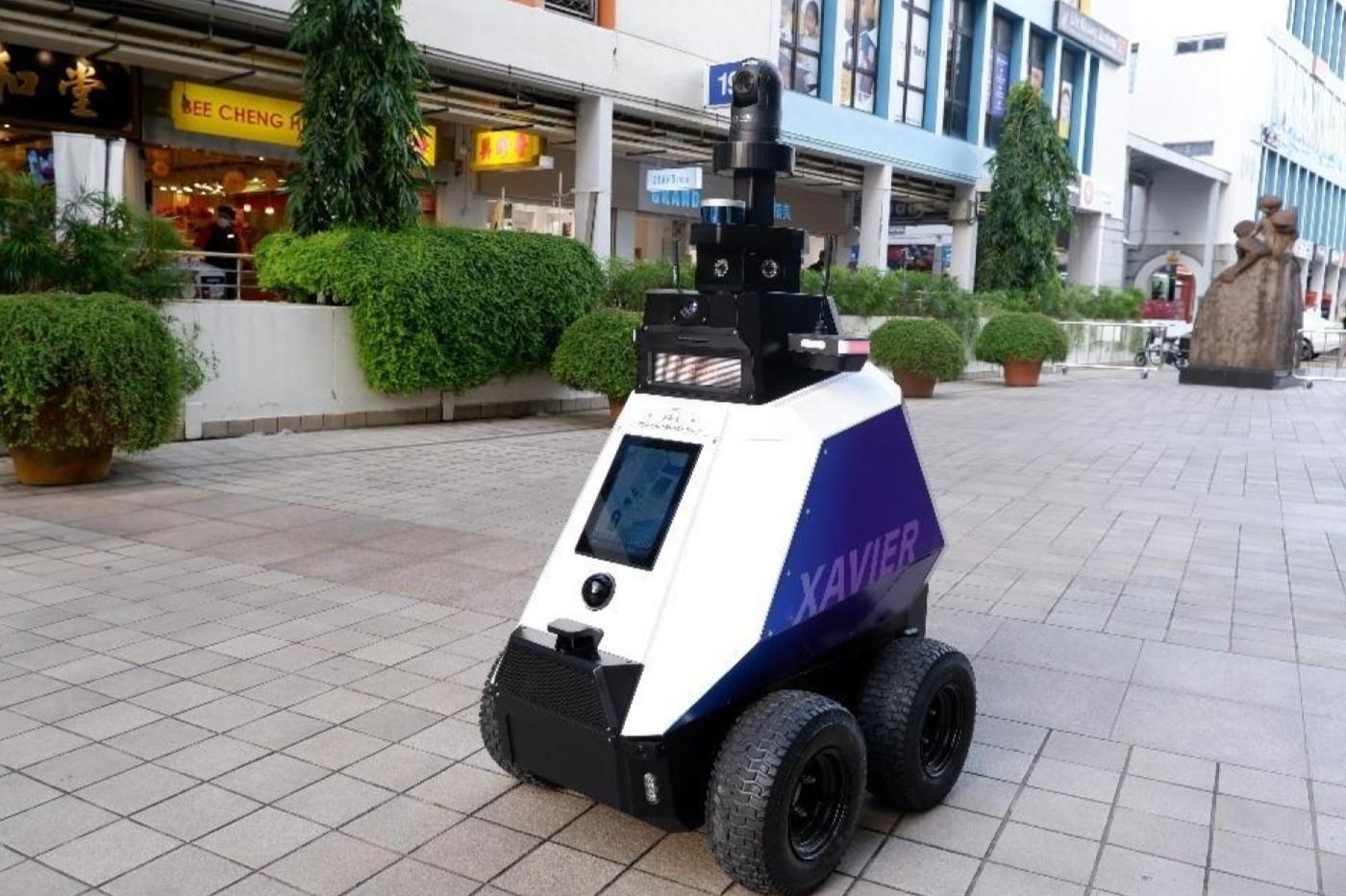 Des robots de patrouille vont chasser les incivilités dans les rues de Singapour